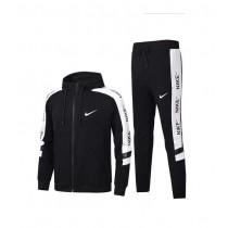 nike sportswear ensemble